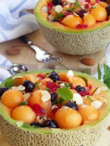 kavun içinde meyve salatası